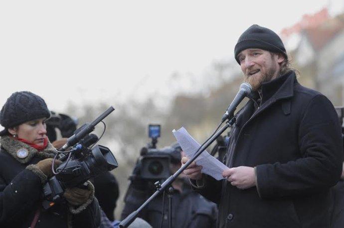 Tom Nicholson v čase protestov proti Gorile. Foto - TASR