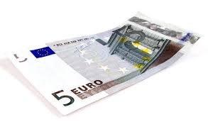 Päť eur úplatok, alebo dar, kto je vinný?