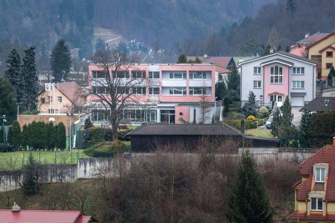 Rodinné sídlo Mečiarovcov Elektra v Trenčianskych Tepliciach. Foto N - Tomáš Benedikovič
