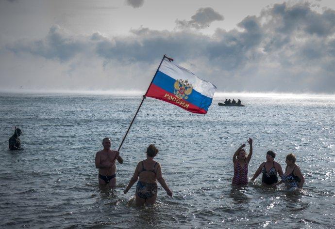 Rusi považujú Krym za svoje územie. Svet to neuznal, ale inak nevie, čo s tým robiť. Foto – TASR/AP