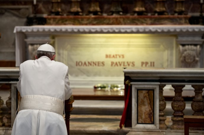Pápež František obete sexuálneho zneužívania požiadal a odpustenie. Foto - TASR/AP