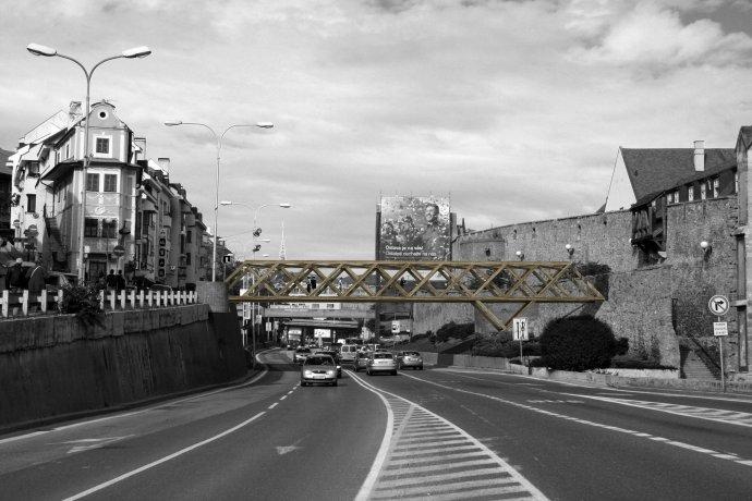 Mestské zásahy Bratislava 2008. Ilja Skoček, Rado Zelik – Drevený most.