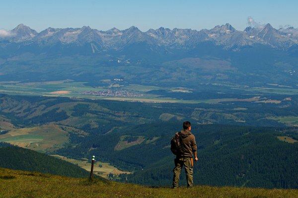 Výhľad z Kráľovej hole na Vysoké Tatry. Foto - TASR