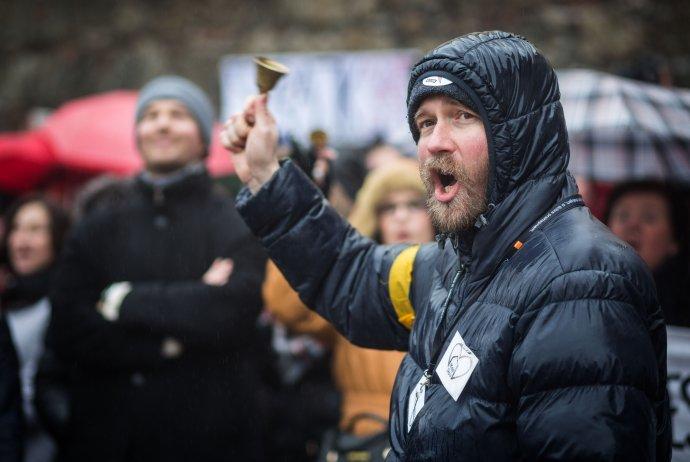 Vladimír Crmoman počas štrajku učiteľov tesne pred voľbami. Foto N – Tomáš Benedikovič