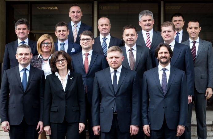 Spoloèná fotografia ministrov novej vlády.