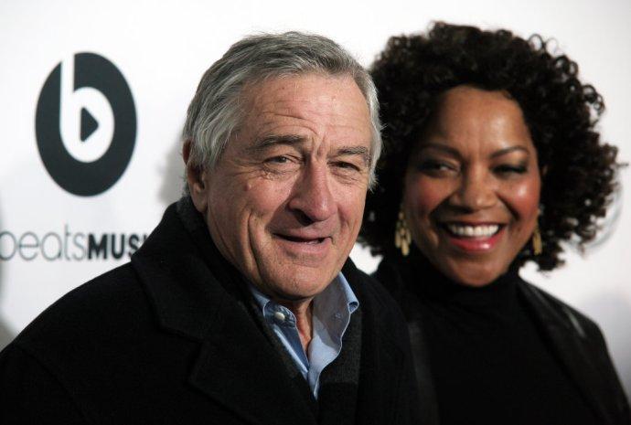 Herec Robert De Niro s manželkou Grace na festivale Tribeca v roku 2014. Foto - Tasr/Ap