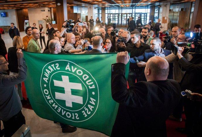Brífing ĽSNS v parlamente. Foto N – Tomáš Benedikovič