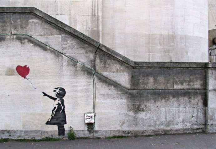 Jedno z najznámejších Banskyho diel: Dievča s balónom. Foto - banksy.co.uk