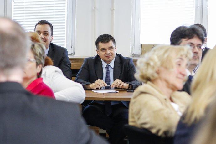 Minister šškolstva rokuje s učiteľmi a so školami. Foto – Tasr