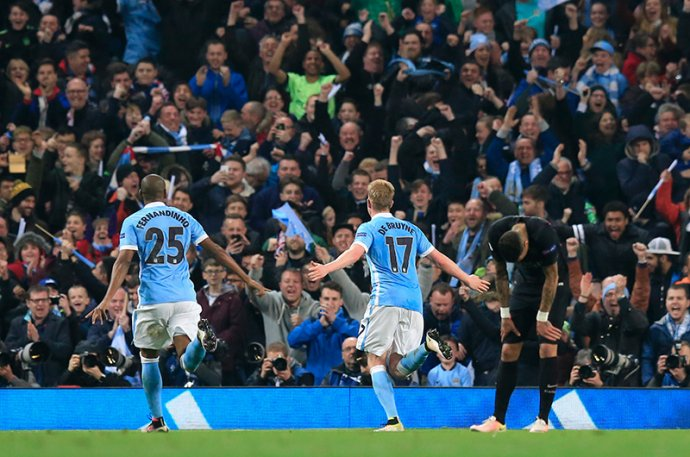 Kevin De Bruyne oslavuje gól proti PSG v zápase štvrťfinále Ligy majstrov. Foto - AP