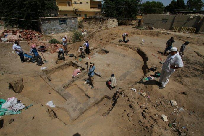 Práce v Čiernom dome 1 v Egypte. Foto – Nadácia Aigyptos