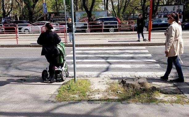 Bodaj by bolo v Bratislave čo najmenej takýchto priestorov, kde chôdza viac bojom ako pohodlným presunom po meste.