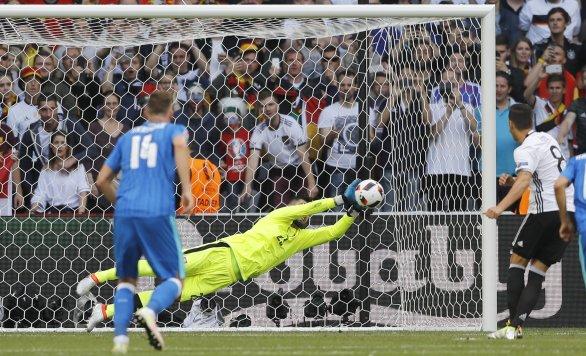7e4fb201a5e77 Slovensko prehralo s Nemeckom 0:3 a na Eure končí v osemfinále ...