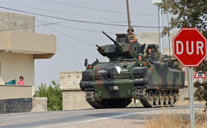 Tureckí vojaci na ceste do Sýrie. Foto – TASR/AP