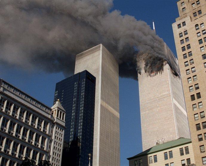 Teroristický útok na WTC 11. septembra 2001. Foto – TASR/AP