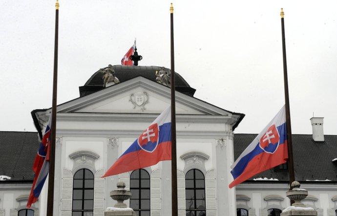 Vo štvrtok bude na Slovensku štátny smútok. Foto – TASR
