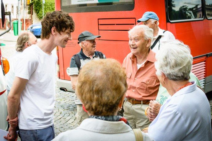 Tomáš Martinek s výletníkmi. Foto – archív T. M.