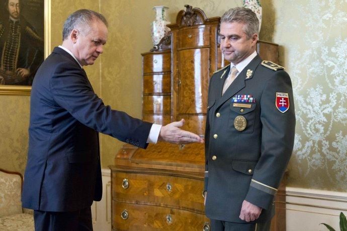 Andrej Kiska a policajný prezident. Foto – TASR