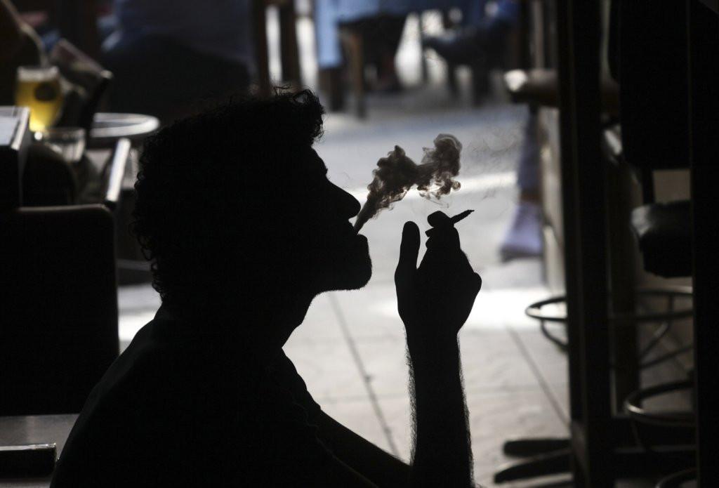 HIV z fajčenia tutoriál o tom, ako dať fajčenie