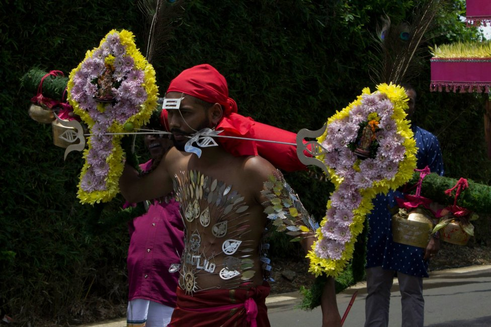 Festival Kavadi, tamilský extrémny rituál na oslavu boha Murugana. Foto: Peter Maňo
