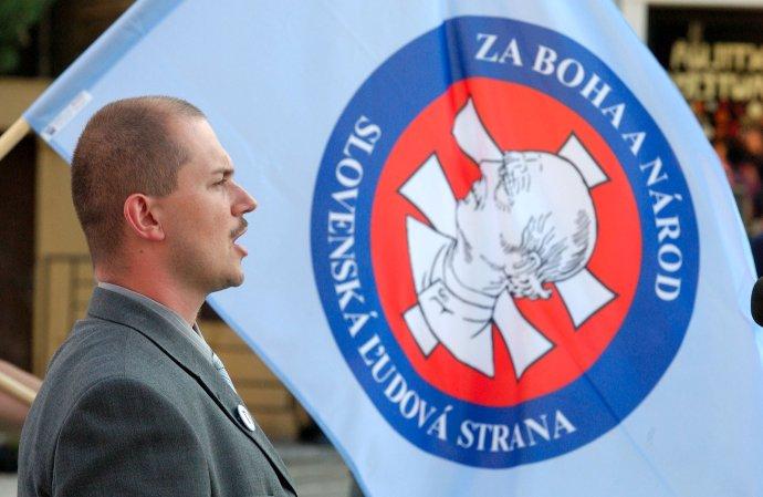Marian Kotleba ako kandidát Slovenskej ľudovej strany v roku 2006. Foto - TASR