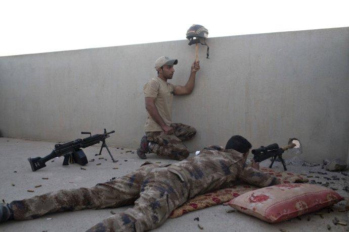 Iracké špeciálne jednotky pri akcii v Mosule. Ilustračné foto – TASR/AP