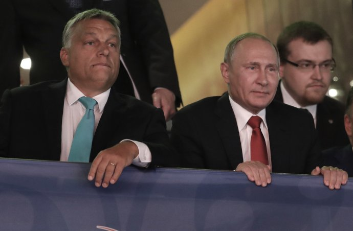 Viktor Orbán (vľavo) s ruským prezidentom Vladimirom Putinom na majstrovstvách sveta v džude v Budapešti v roku 2017. Foto – TASR/AP