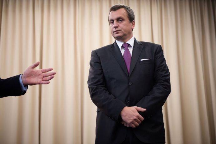 Andreja Danka vyzýva ukázať prácu už aj rektor Univerzity Mateja Bela v Banskej Bystrici. Foto N – Vladimír Šimíček