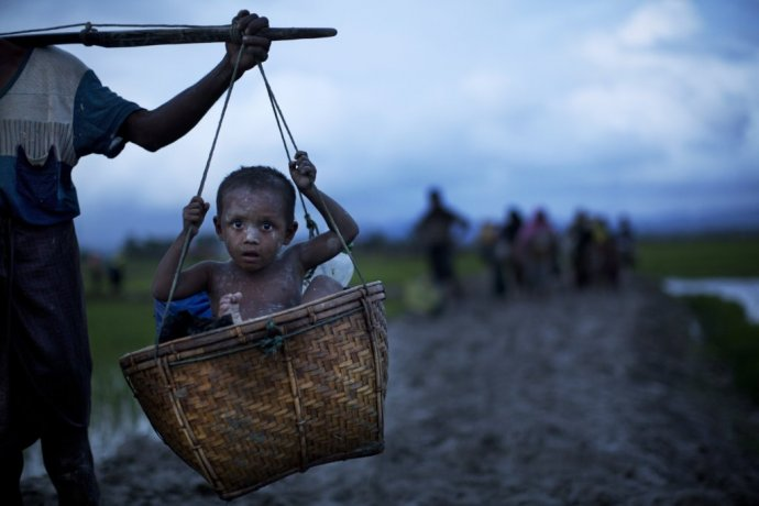 Na úteku do Bangladéša. Foto – AP