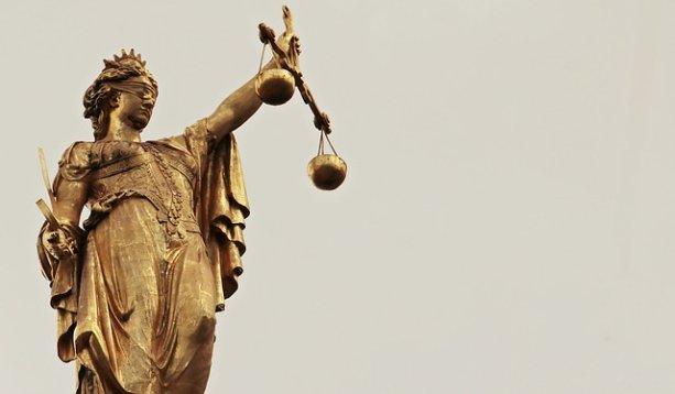 Spravodlivosť - ilustračný obrázok; autori: Silvia & Frank (CC0 Creative Commons)