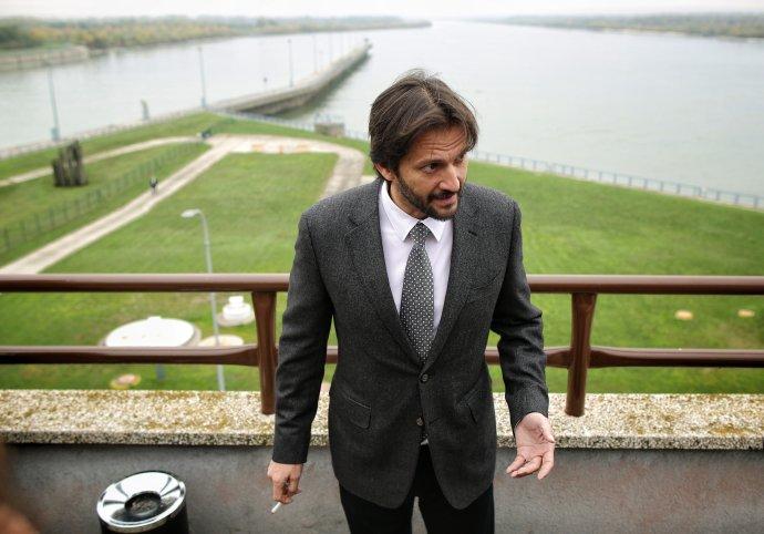 Minister vnútra Robert Kaliňák v Gabčíkove. Foto N – Tomáš Benedikovič