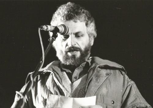 Moje prvé vystúpenie na revolučnom mítingu na Námestí SNP v novembri 1989. Trému som rozhodne nemal. Foto – archív F. G.