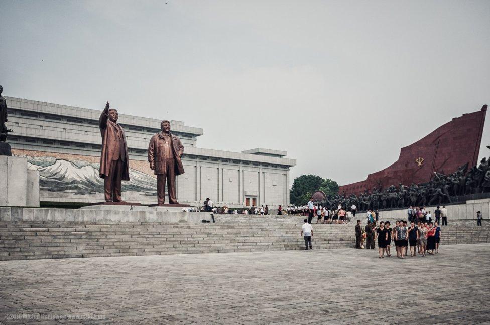 Kim Ir Sen a Kim Čong Il. Foto – Michal Huniewicz