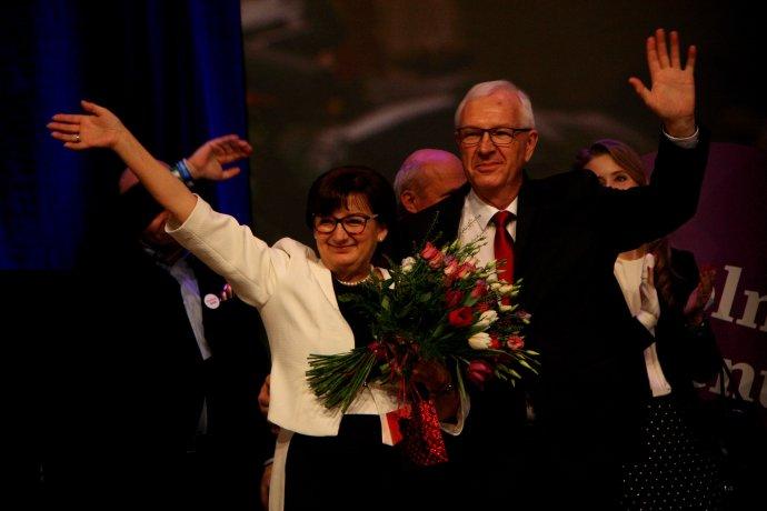 Profesor Jiří Drahoš s manželkou Evou vo volebnom štábe. Foto - Natálie Terčová