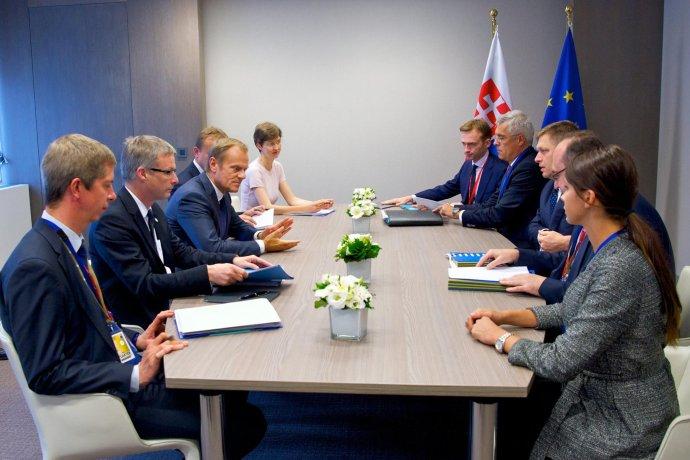 Mária Trošková na rokovaní s Tuskom. foto – Stále zastúpenie SR pri EÚ v Bruseli