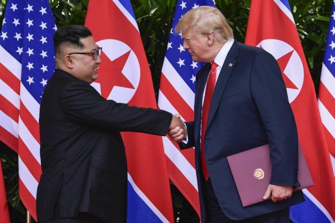 Trump Kimovi lichotil. Foto – TASR/AP