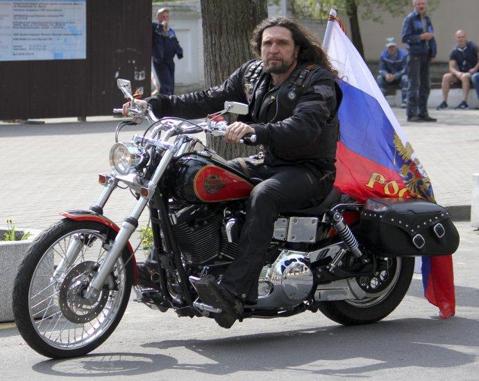 Alexander Zaldostanov sa oficiálne vyjadril k slovenskej pobočke, ktorú pri Trnave založil podnikateľ Jozef Hambálek. Foto - TASR/AP