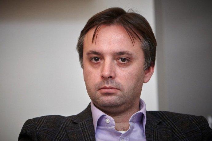 Reportér Ondřej Kundra zistil, že tajomný šéfredaktor webu Aeronet sa ukrýva na Slovensku. Foto - Knihovna Václava Havla