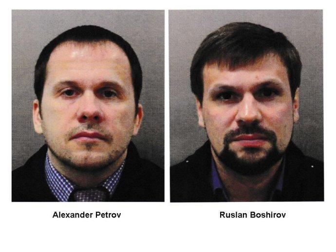 Fotografie dvoch Rusov, ktorí podľa britskej polície stáli za útokom v Salisbury. V pasoch mali mená Petrov a Boširov. Česká polícia ich spája s výbuchom vo Vrběticiach. Foto - TASR/AP