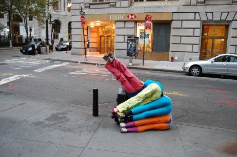 Počas celého víkendu môžete zažiť aj pohybovú performance známeho rakúskeho umelca a choreografa Williho Dornera.