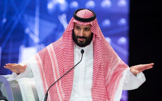 """Korunný princ Mohamed na """"púšťovom Davose"""". Foto - TASR/AP"""