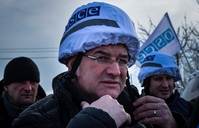 Miroslav Lajčák v úlohe predsedu OBSE na Donbase. Foto N - Mirek Tóda