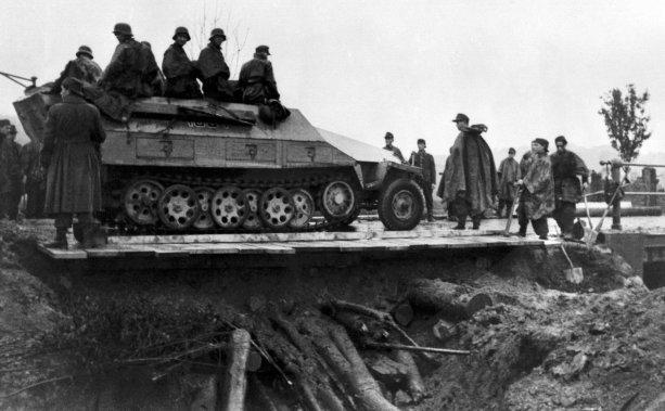 SS Kampfgruppe Schill vstupuje do Banskej Bystrice