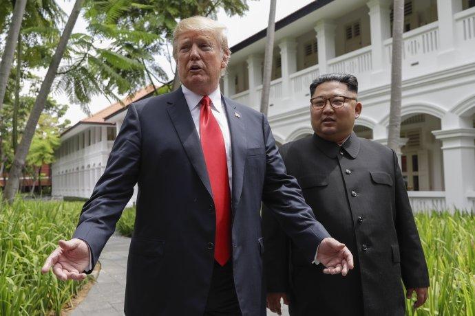 Trump a Kim na stretnutí v Singapure. Foto - TASR/AP