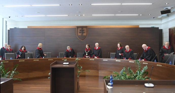 Ústavní sudcovia počas verejného zasadnutia pléna Ústavného súdu SR v Košiciach 9. januára 2019. foto – tasr