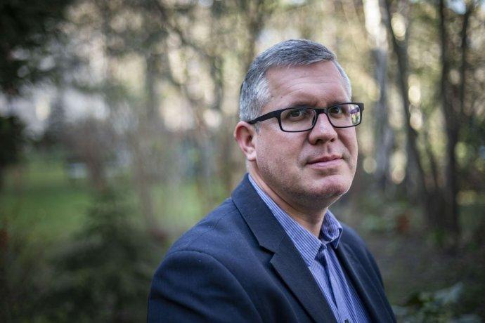 Jiří Kylar má 44 rokov, podniká v typografii a je poslancom v obci Halouny. Aktívne pôsobí v řevnickej farnosti v Prahe, je ženatý a má tri deti. Foto – Deník N/Gabriel Kuchta