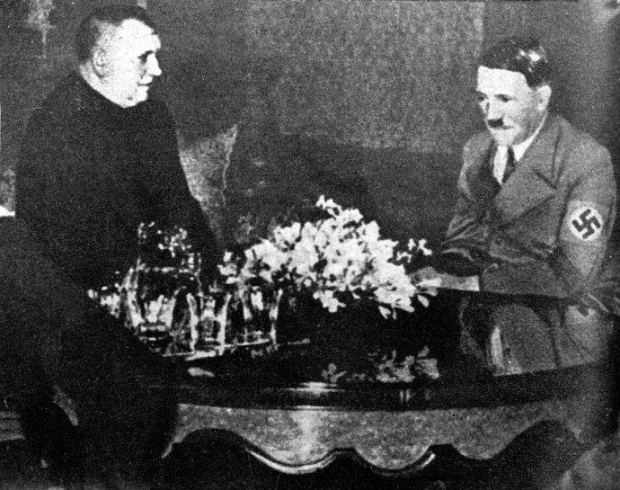 Jozef Tiso u ríšskeho kancelára Adolfa Hitlera 13. marca 1939. Foto – archív TASR