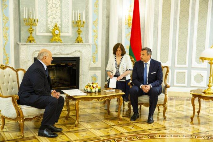 Andrej Danko u bieloruského prezidenta Alexandra Lukašenka. Foto - TASR