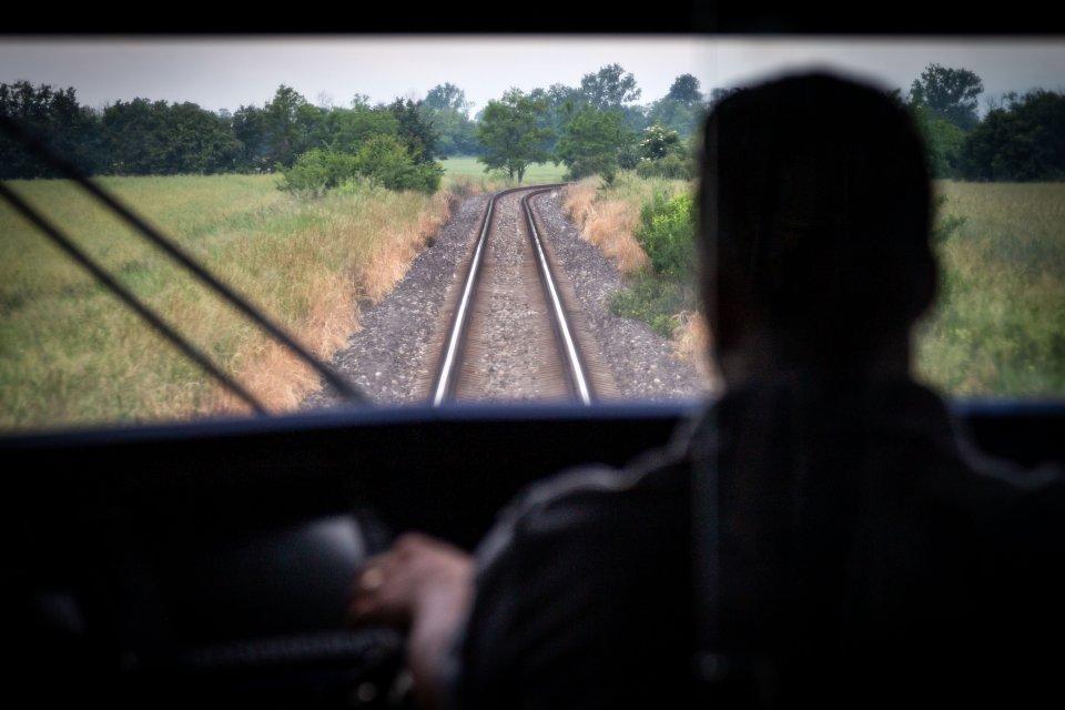 Nedostatok rušňovodičov na západnom Slovensku sa prehĺbil po tom, ako ZSSK prevzala od RegioJetu linku do Komárna. Foto N - Tomáš Benedikovič