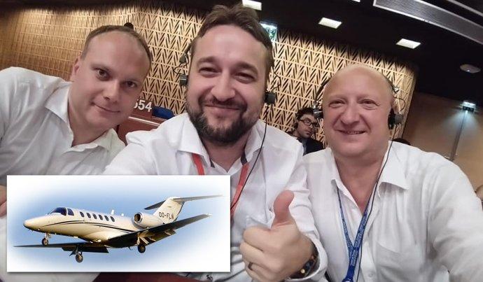 Poslanci Radovan Baláž, Ľuboš Blaha a Pavol Goga v Štrasburgu a lietadlo Cessna 525. Foto - FB Ľuboša Blahu a wikipedia.org